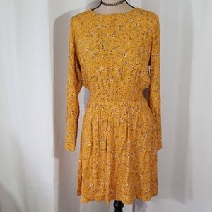 H & M floral pattern long sleeves dress. Size 6